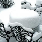 Снежно бели покривки
