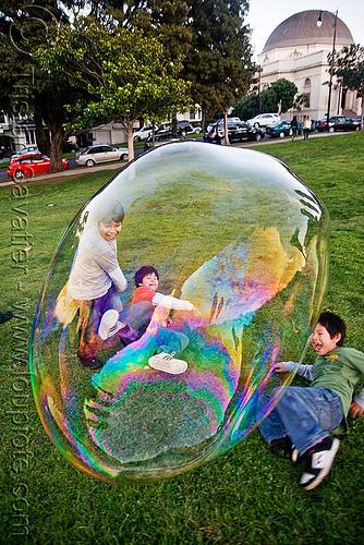 giant-soap-bubble4