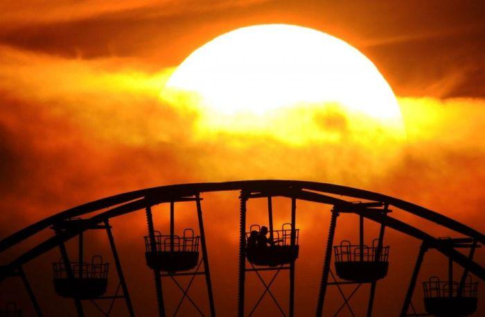 виенско колело при залез слънце