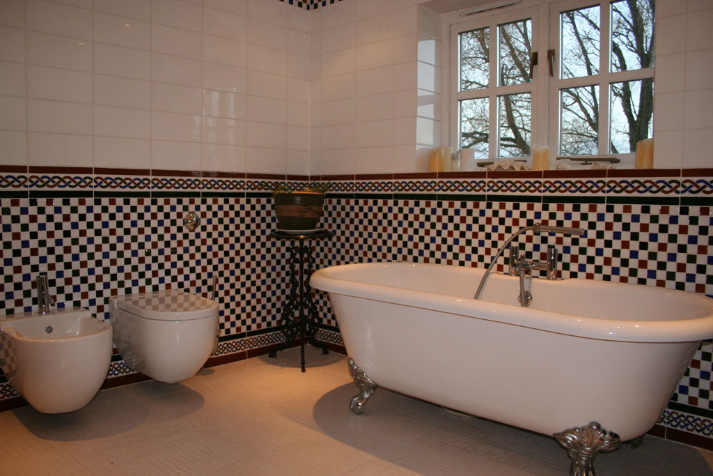 morrocan bathroom