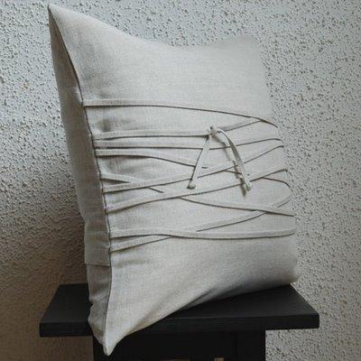 бяла възглавница