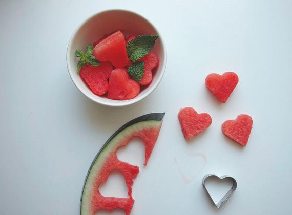 http://www.utro.bg/style/wp-content/uploads/2011/07/party-recipes-heart-shaped-watermelon-1.jpg