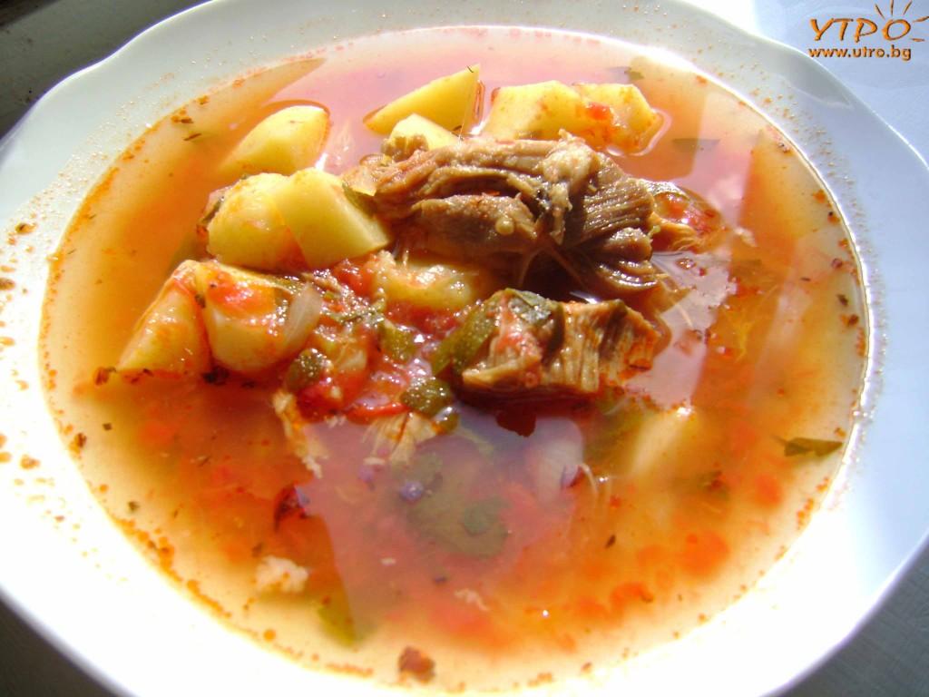 Яхния със свинско месо и картофи