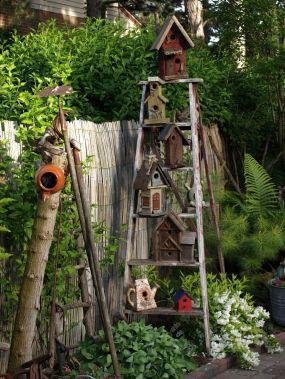 идея със стълба в градината