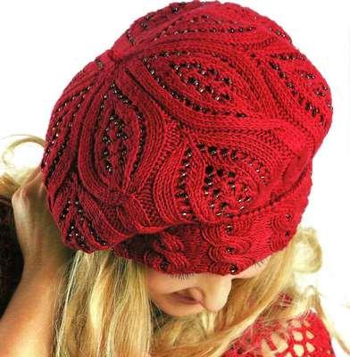 интересна червена шапка