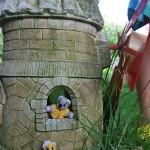 Приказни къщички в двора