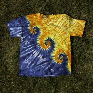 техника за боядисване на тениски