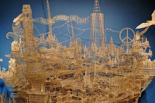 Уникална скулптура от 100 000 клечки, отнела 35 години труд
