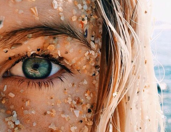 момиче лято море