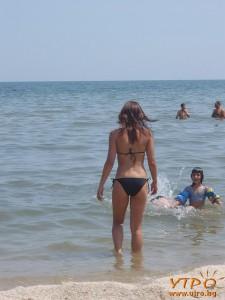девойка в морето