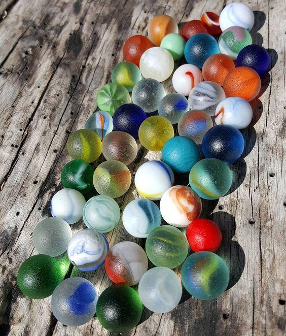 колекция стъклени топчета