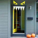 Хелоуин чука на вратата