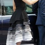 рокля 50 нюанса сиво